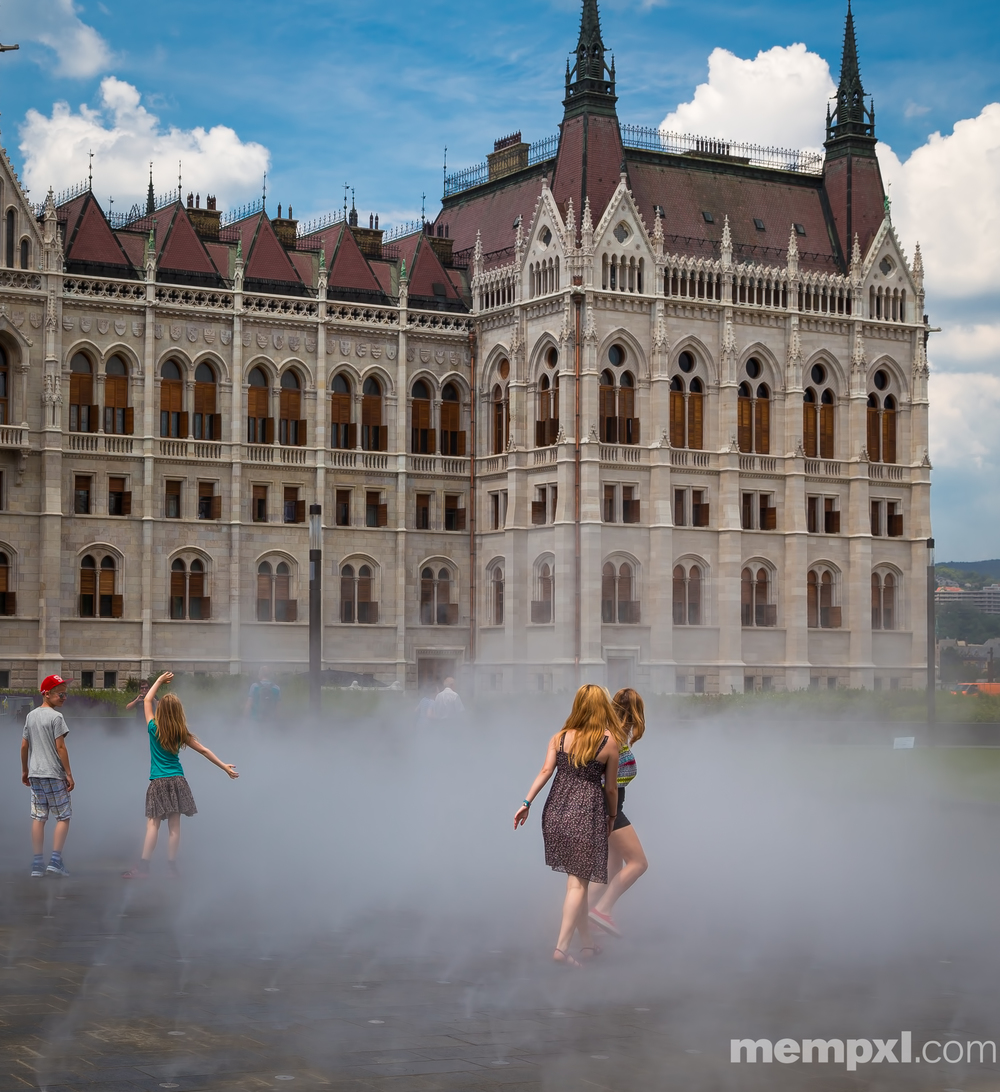 Childs Play - Budapest