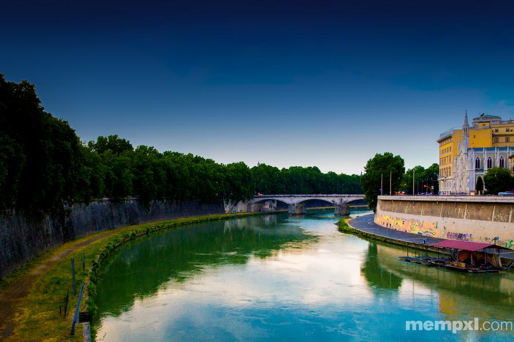 Tiber River Rome 2014 WM.jpg