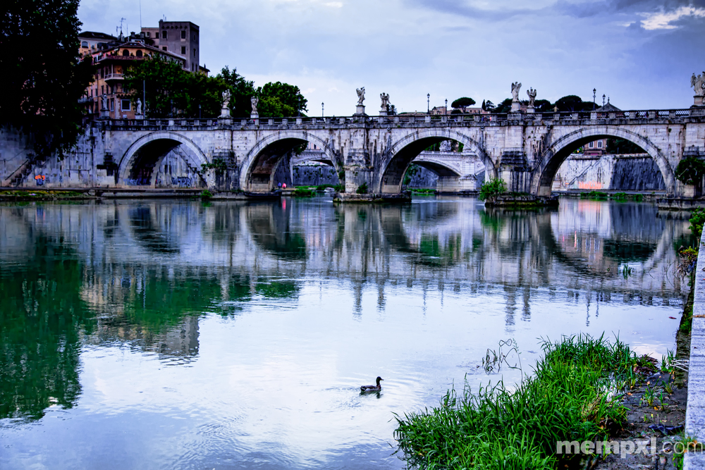 Tiber River Bridges Rome 2014 WM.jpg