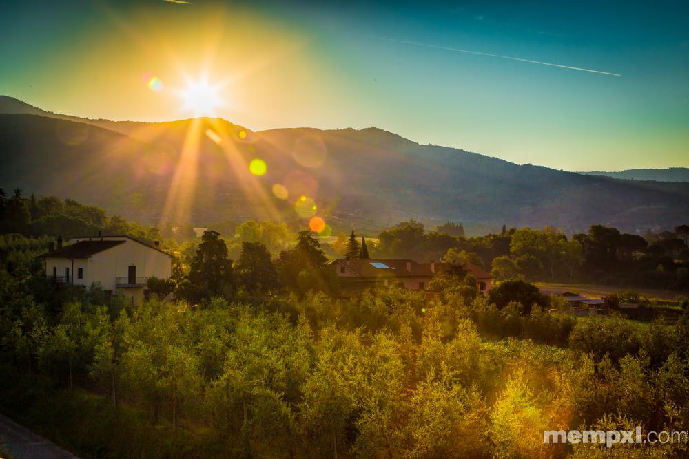 Tuscany Arezzo Sunrise  2014 WM.jpg