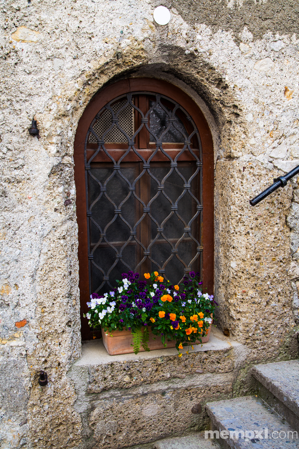 Salt Castle Window Salzburg 2014 WM.jpg
