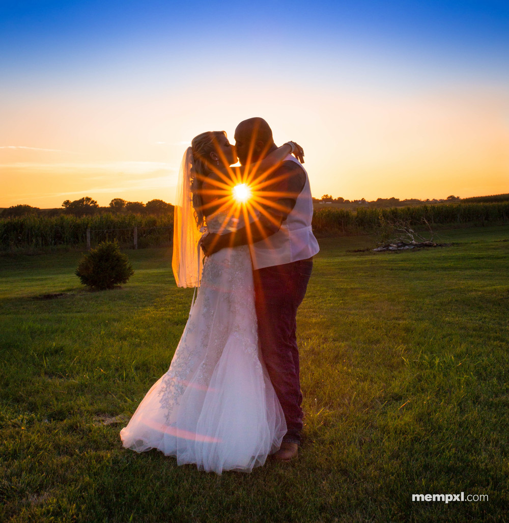 Baileigh n Ryan Buter Sunset.jpg