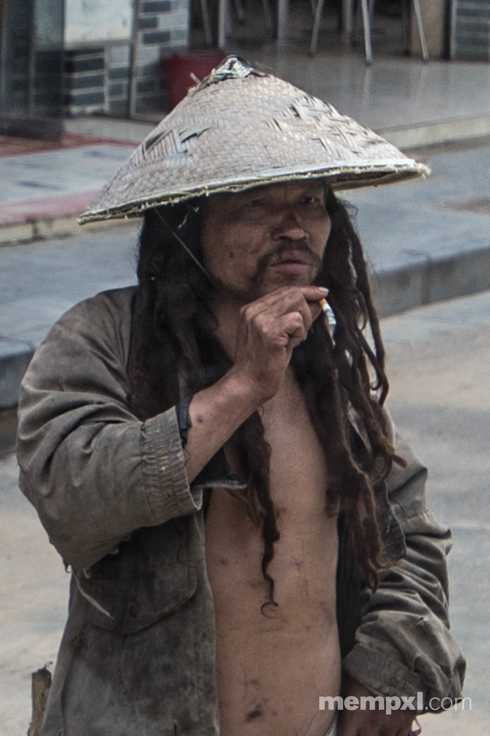 Chineese man dreadlocks3 - Guilin April 2015 WM.jpg