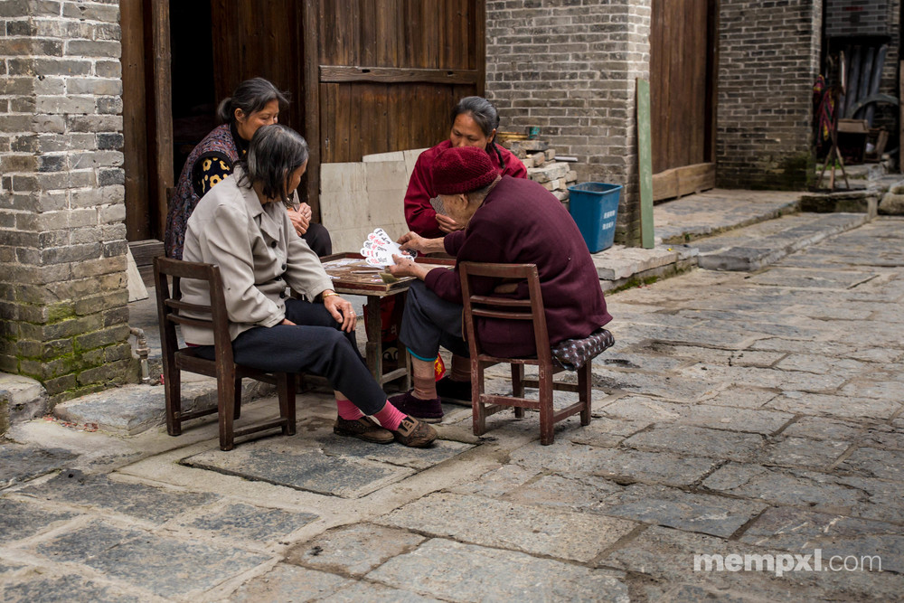 Ladies card game- Xingping April 2015.jpg