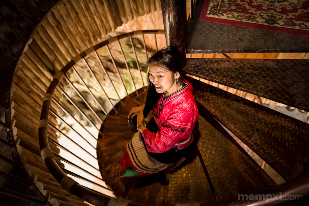 Young lady and the Rice Terraces  April 2015 W-WM.jpg