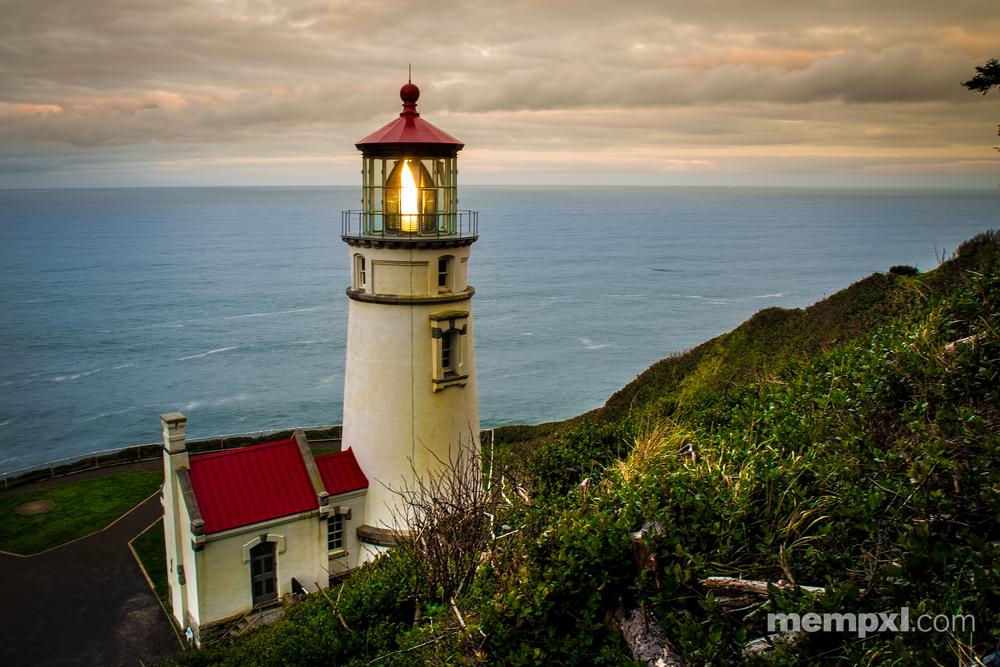 Heceta Head Lighthouse Sunrise- Oregon 2-2015 (2).jpg