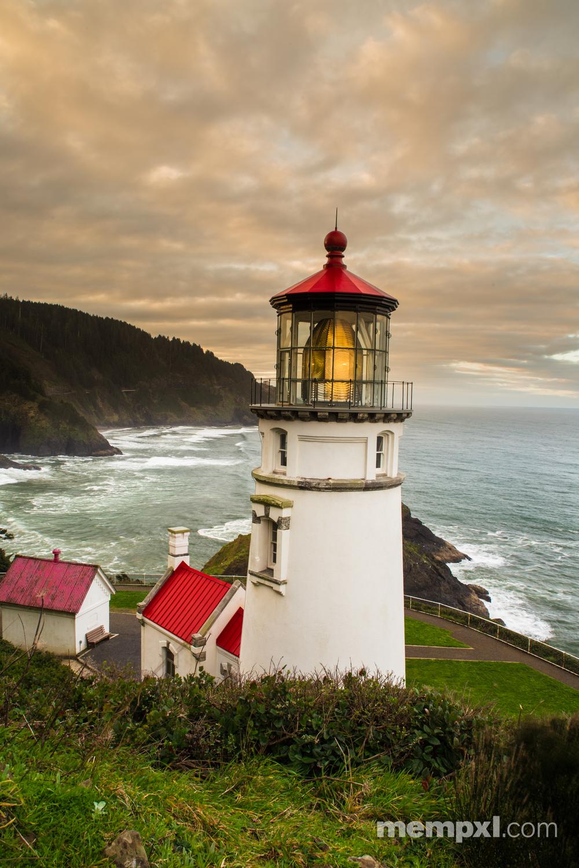 Sunrise at Heceta Head Lighthouse - Oregon Coast