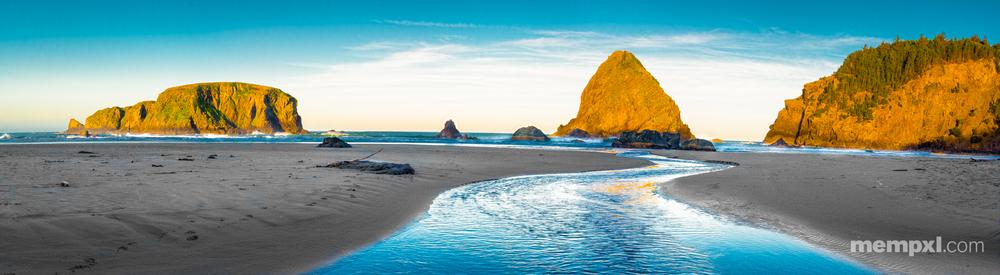 Whale Head Beach Oregon 2015 (Pano).jpg