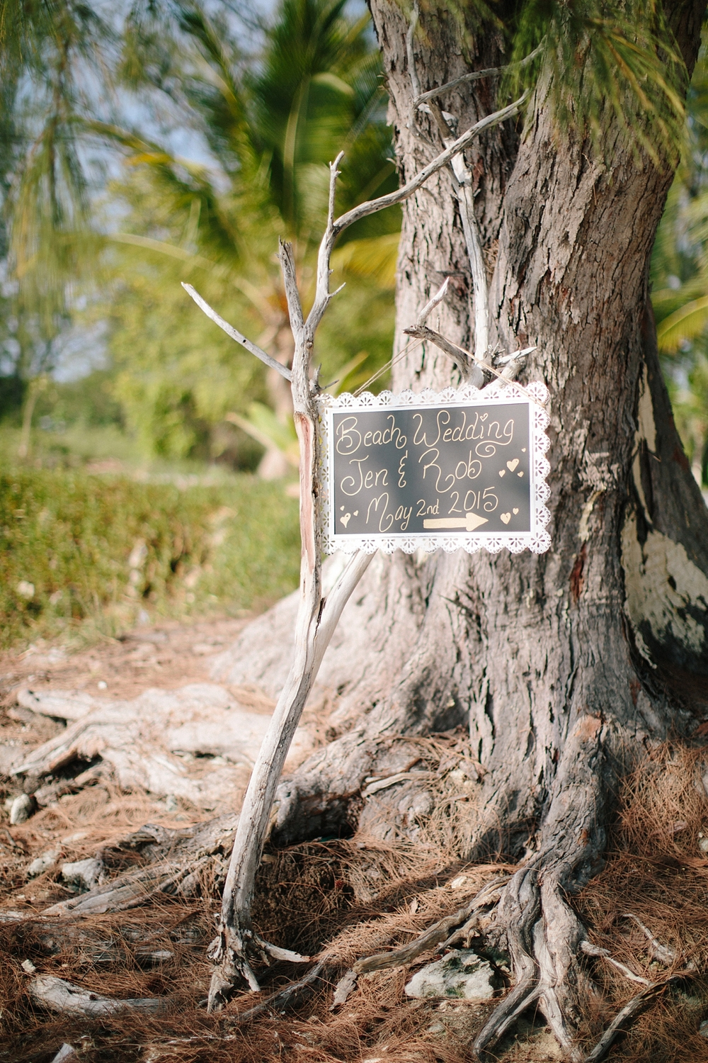 bahamas-destination-wedding-photographer-island-private-ceremony-staniel-cay_0022.jpg