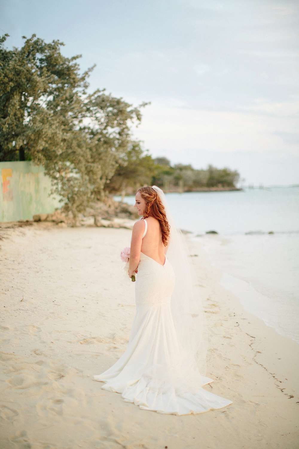 bahamas-destination-wedding-photographer-island-private-ceremony-staniel-cay_0039.jpg
