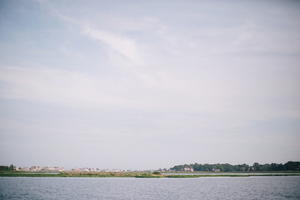 nj-top-wedding-photographer-engagement-session-boat-navasink_0003.jpg