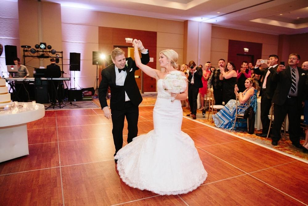 chciago_schaumbug_wedding_photographer_destination_0034.jpg