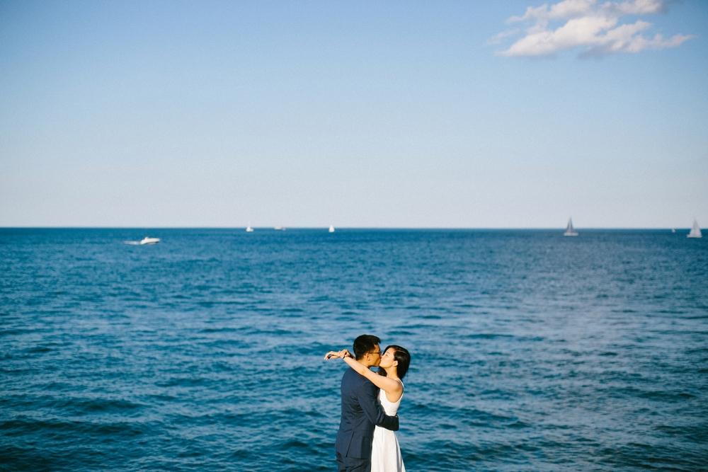 chicago-top-destination-wedding-photographer-outdoor-intimate_0017.jpg