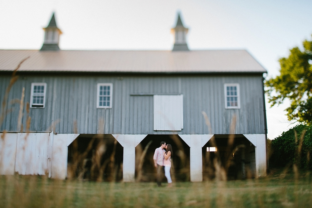 farm-wedding-engagement-session-destination-intimate_0006.jpg