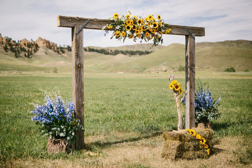 wyoming-destination-wedding-cattle-ranch-west_0019.jpg