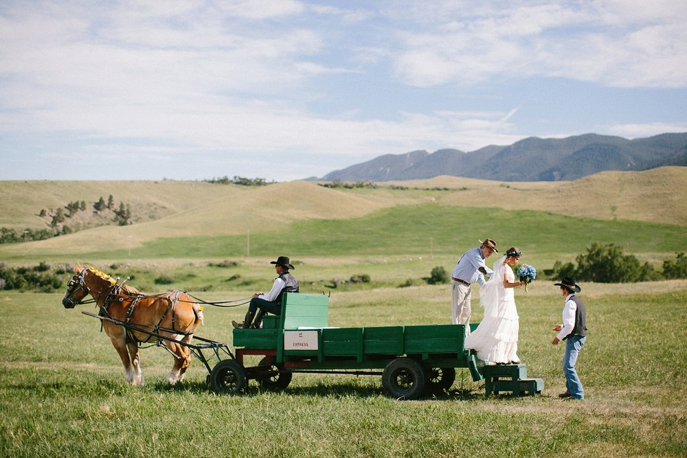 wyoming-destination-wedding-cattle-ranch-west_0023.jpg