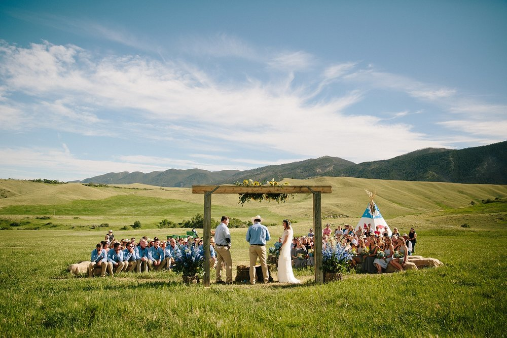 wyoming-destination-wedding-cattle-ranch-west_0025.jpg