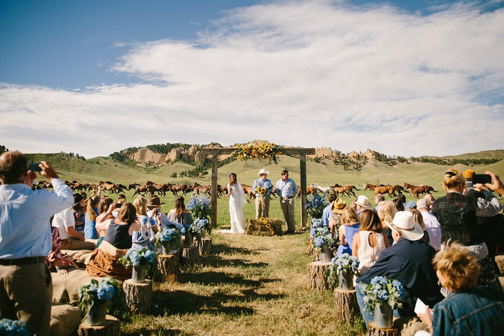 wyoming-destination-wedding-cattle-ranch-west_0028.jpg