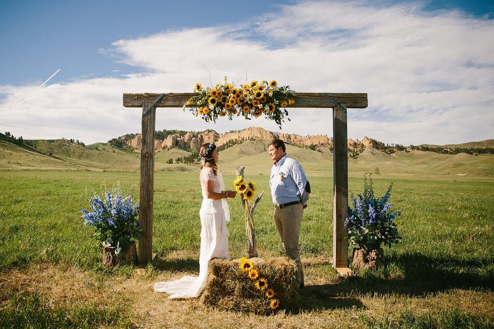 wyoming-destination-wedding-cattle-ranch-west_0029.jpg