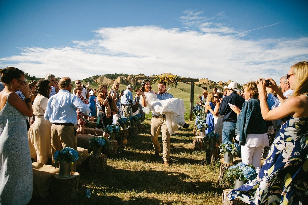 wyoming-destination-wedding-cattle-ranch-west_0030.jpg