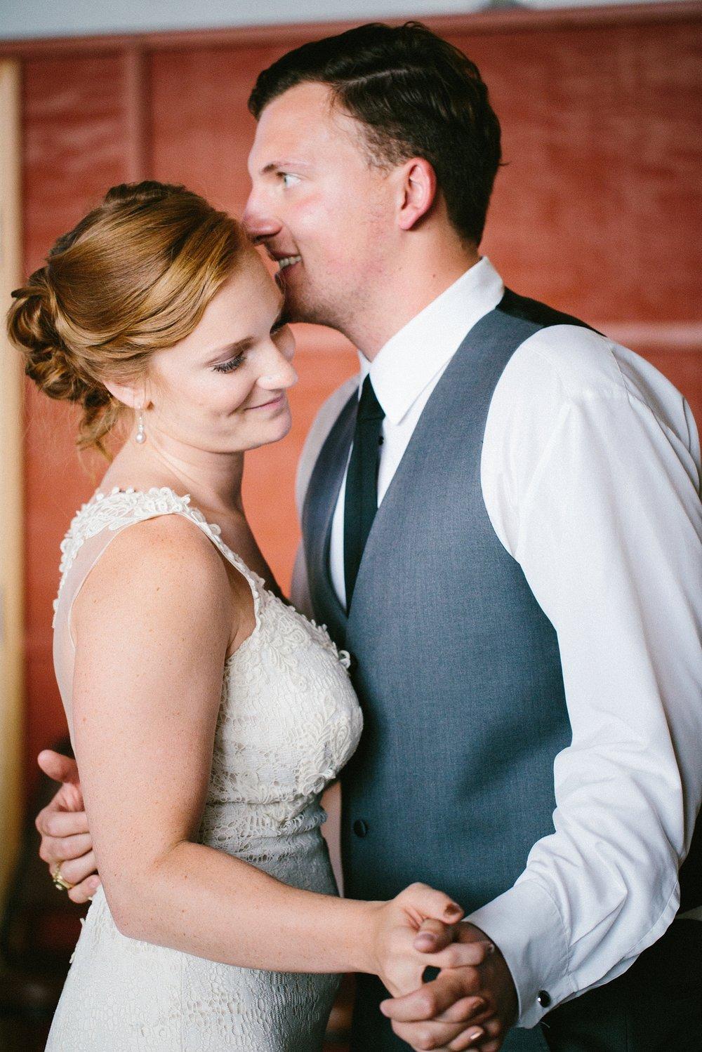 alaska-elopement-wedding-destination-photographer_0034.jpg