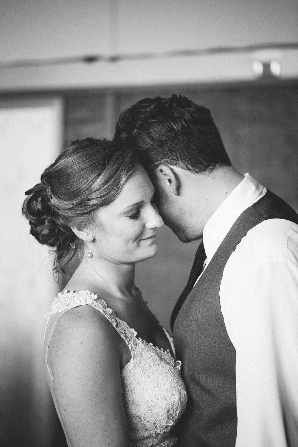 alaska-elopement-wedding-destination-photographer_0037.jpg