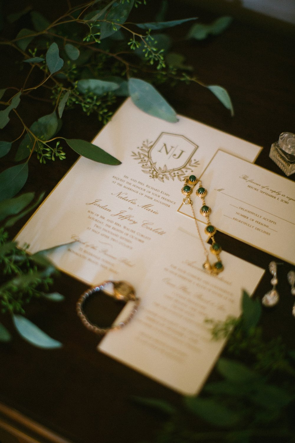 intimate-destination-wedding-photographer-outdoor_0052.jpg
