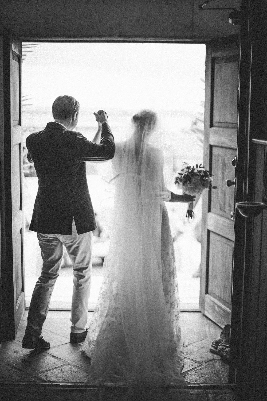 briland-wedding-photographer-harbour-island-bahamas_0023.jpg