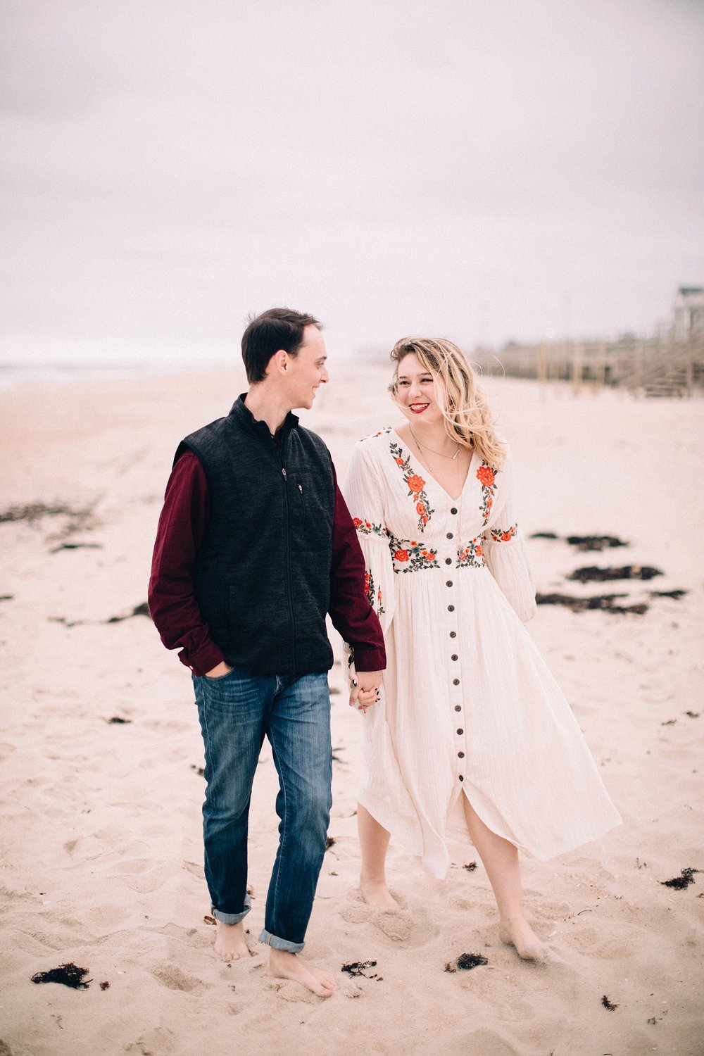 spring-lake-nj-engagement-session-cloudy-day-beach_0003.jpg