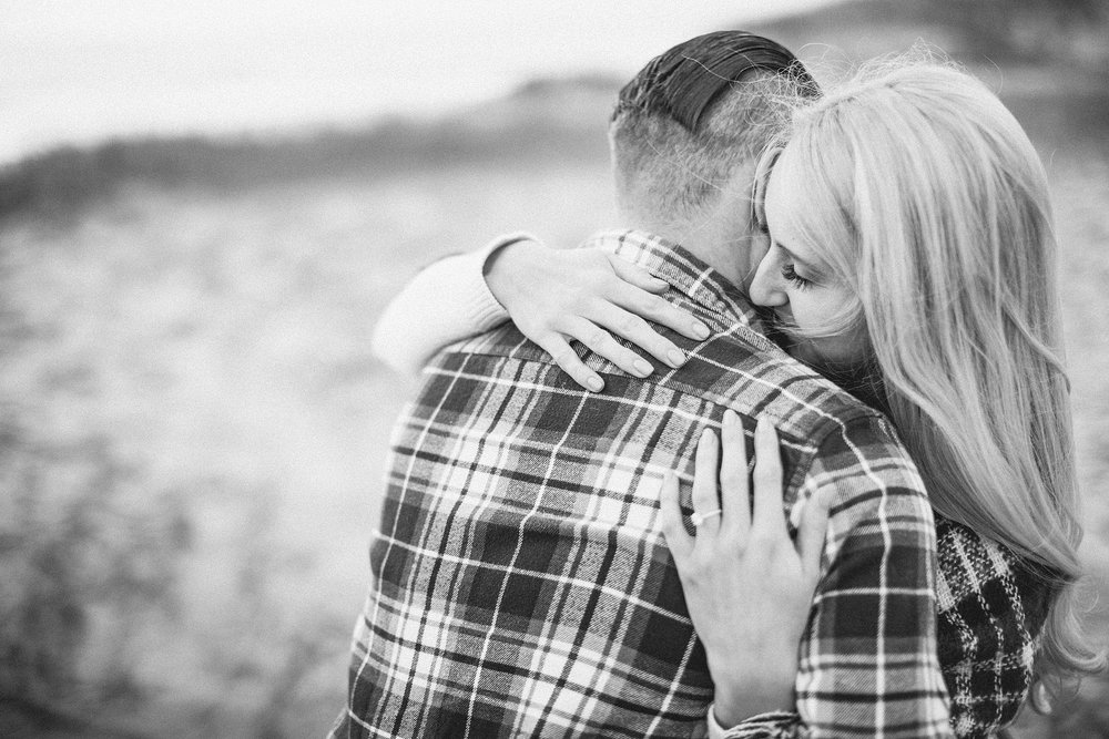 long-island-beach-engagement-session-nj-wedding-plaid-couple_0001.jpg