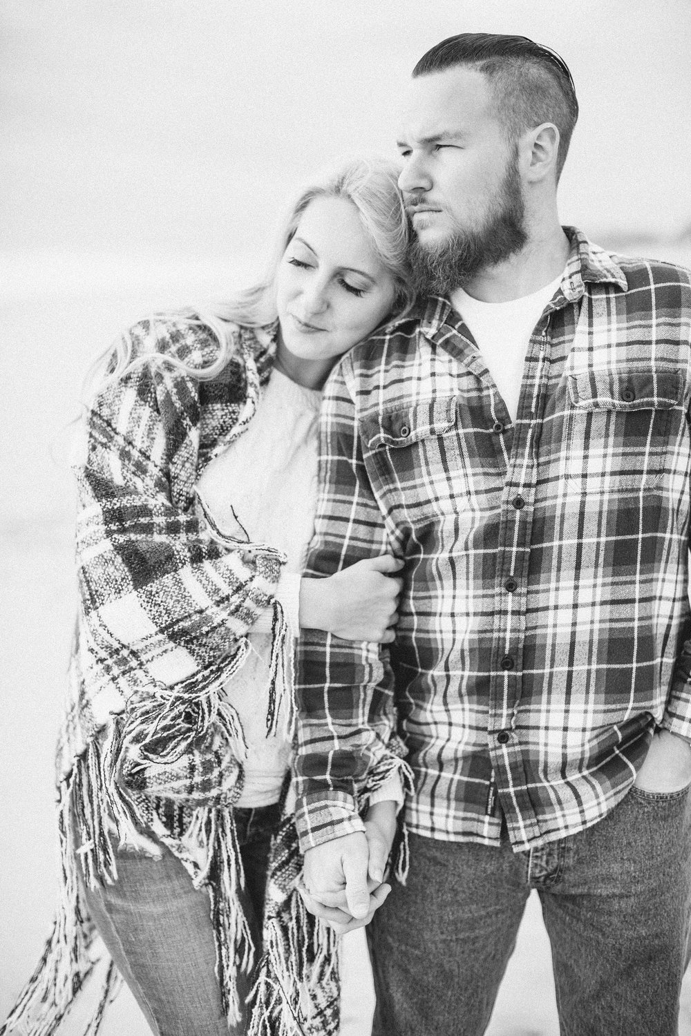 long-island-beach-engagement-session-nj-wedding-plaid-couple_0007.jpg