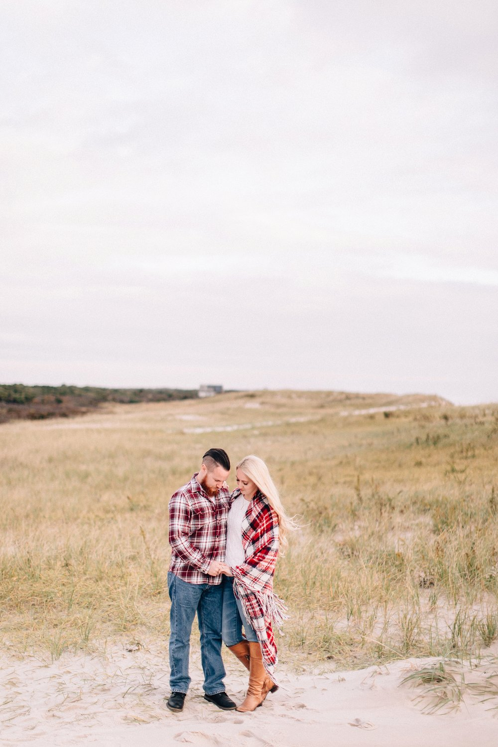 long-island-beach-engagement-session-nj-wedding-plaid-couple_0012.jpg