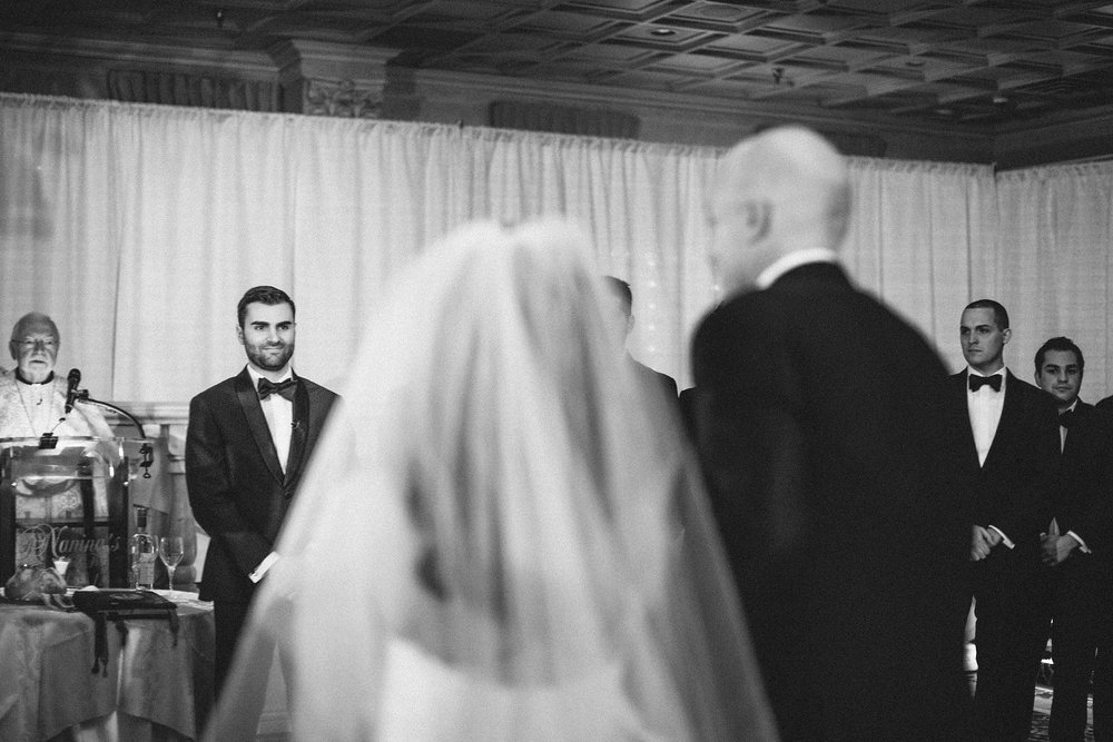 winter-wedding-snow-indoor-ceremony-nj-photographer_0026.jpg