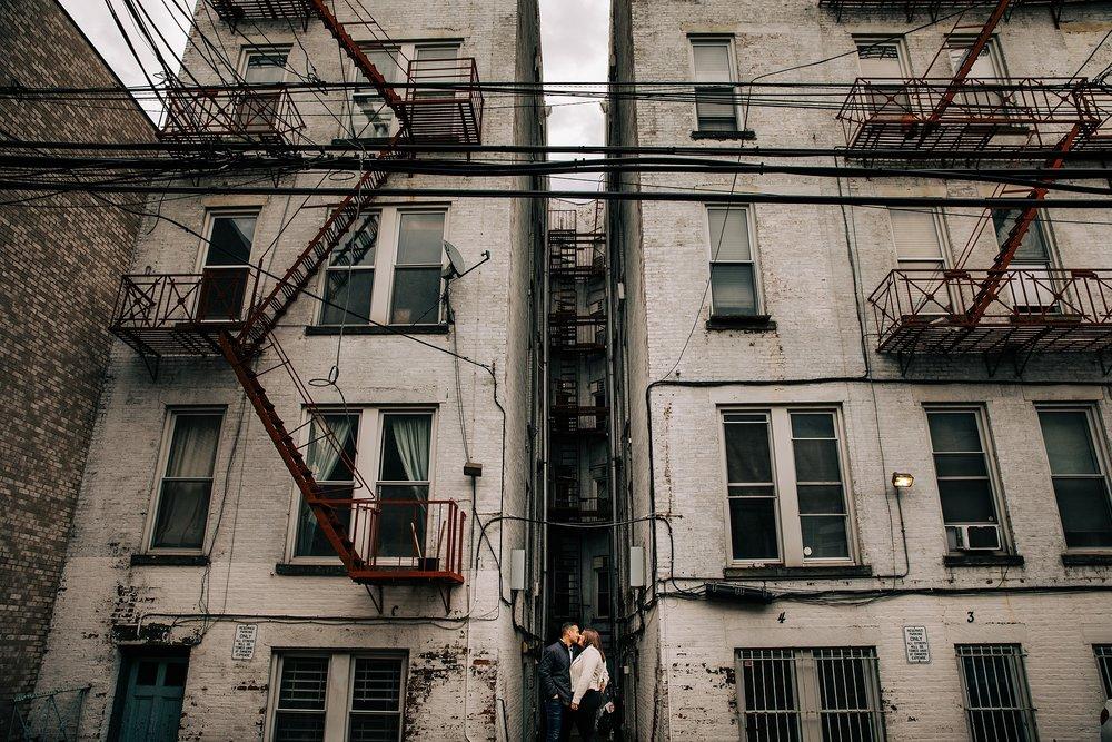 hoboken-engagement-session-pilot-winter-rainy-wedding_0003.jpg