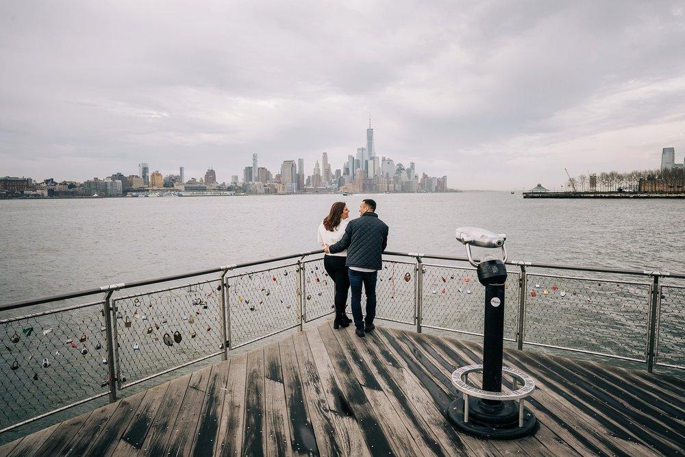 hoboken-engagement-session-pilot-winter-rainy-wedding_0005.jpg