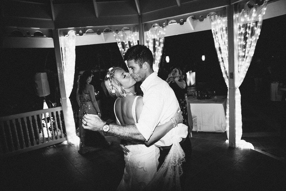 jamaican-wedding-sandals-wedding-destination-beach-intimate_0099.jpg