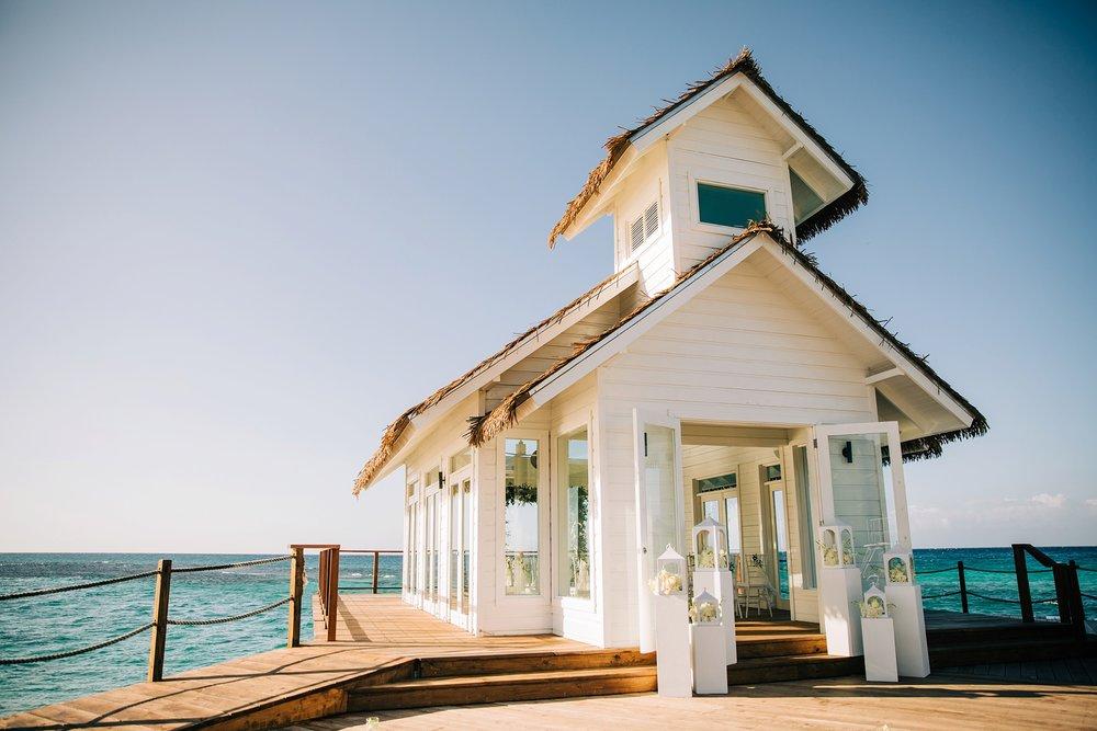 jamaican-wedding-sandals-wedding-destination-beach-intimate_0061.jpg