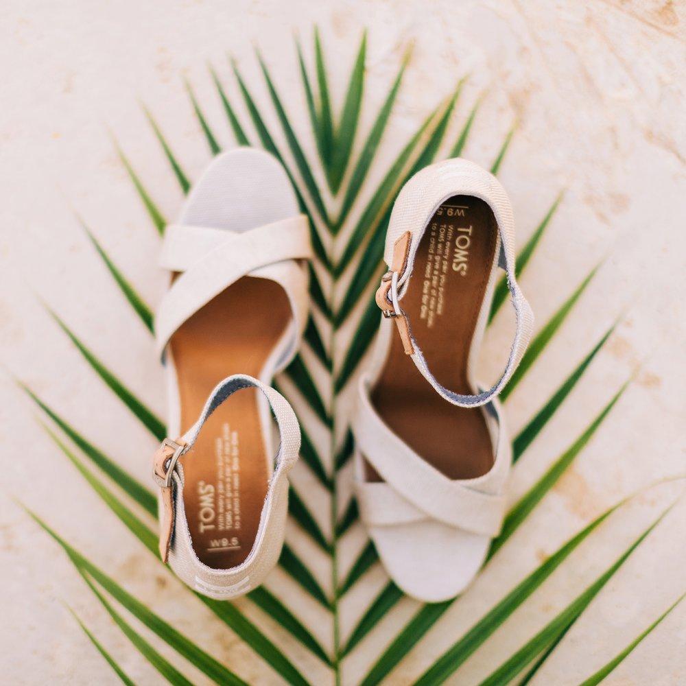 jamaican-wedding-sandals-wedding-destination-beach-intimate_0127.jpg