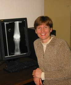 Lexi McKnight Equine Radiologist need bio.jpg