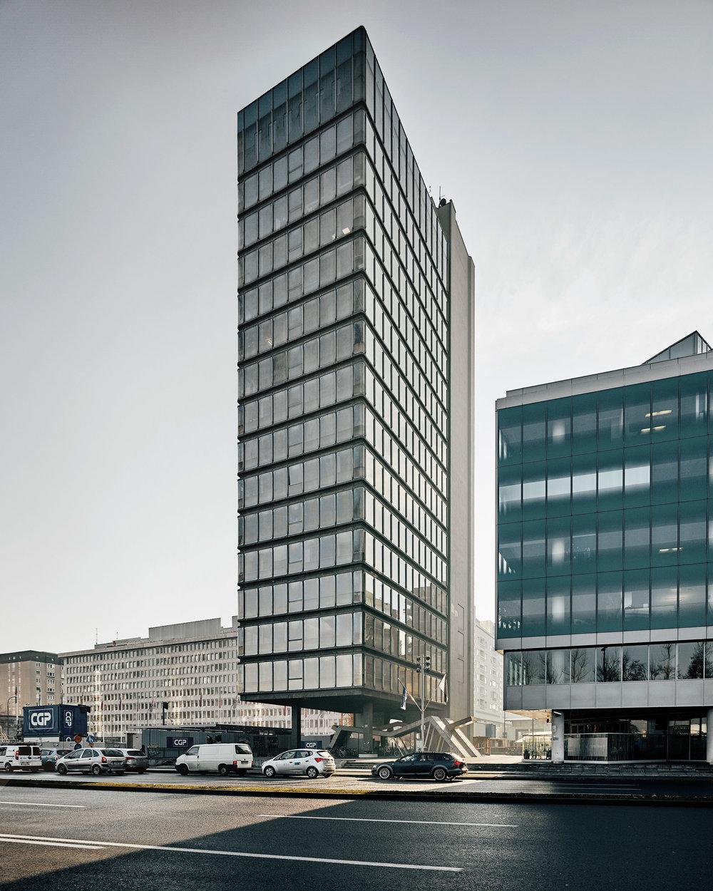 valentin-jeck-photographs-moma-toward-a-concrete-utopia-architecture-yugoslavia_dezeen_2364_col_10.jpg