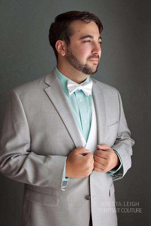 groom wedding photo