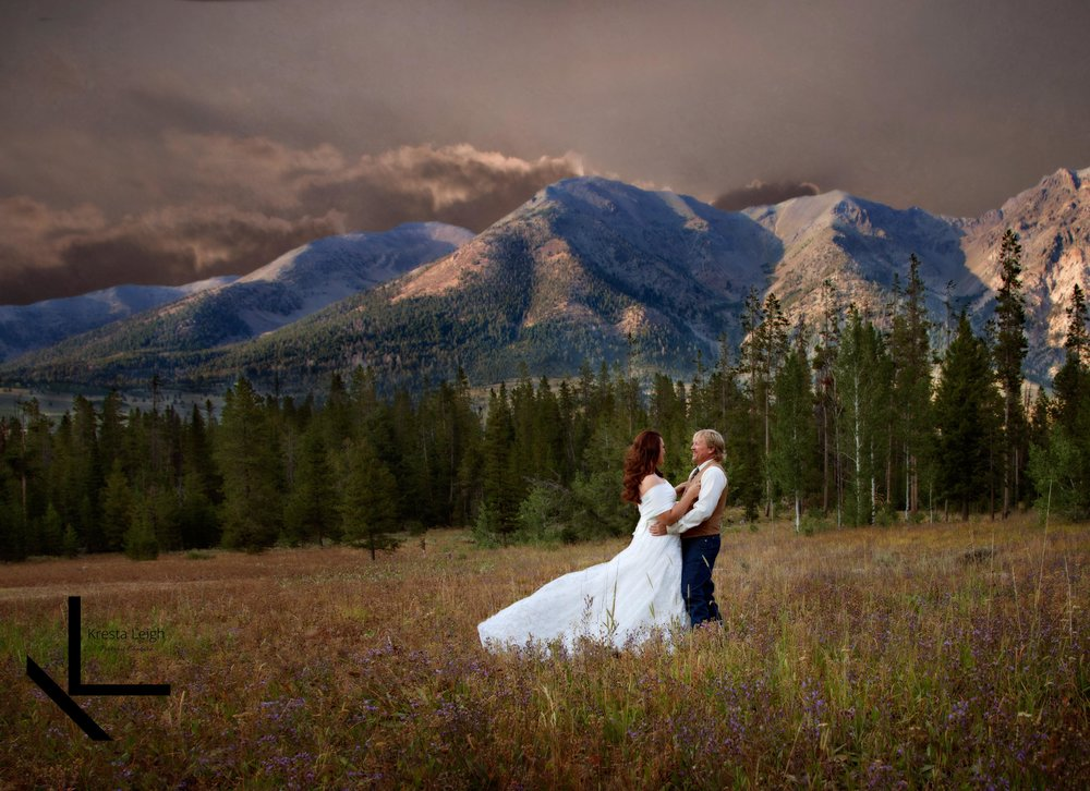 sunvalley-idaho-wedding-eclipse.jpg