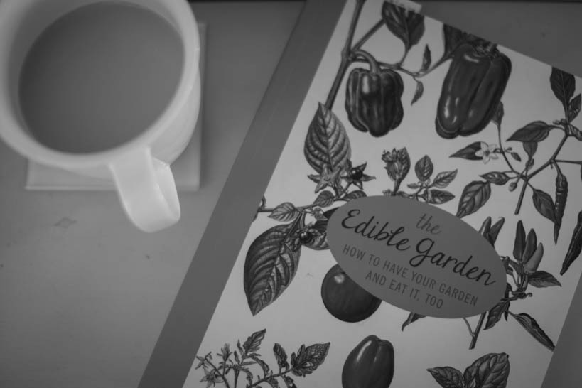 The Edible Garden || thinkbiglivesimply.com