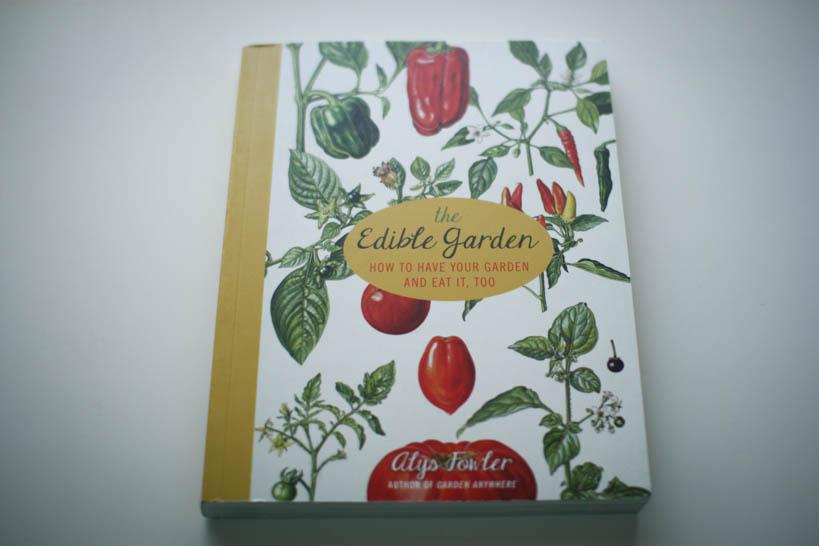 The Edible Garden || thinkbiglivesimply.com