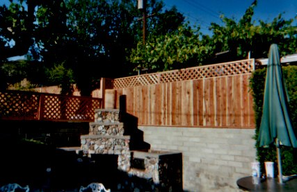 board fence w lattice 3.jpg
