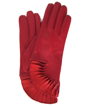 Thomasine-Gloves-PARIS-RED-POPPY-The-Partners-In-Crime-by-Sarvenaz-Dezvareh.jpg