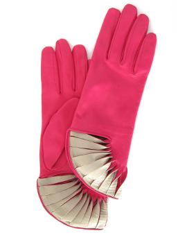 Thomasine-Gloves-PARIS-PINK-CHALK-The-Partners-In-Crime-by-Sarvenaz-Dezvareh.jpg