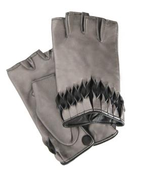 Thomasine-Gloves-MILAN-mitaine-TIN-BLACK-The-Partners-In-Crime-by-Sarvenaz-Dezvareh.jpg