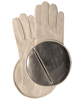 Thomasine-Gloves-MADRID-powder-rose-mirror-The-Partners-In-Crime-by-Sarvenaz-Dezvareh.jpg