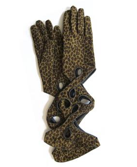 Thomasine-Gloves-NEW-YORK-CHEETHA-BLACK-The-Partners-In-Crime-by-Sarvenaz-Dezvareh.jpg